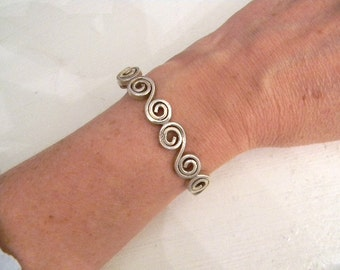 Jewelry. Vintage. Sterling Silver Artisan Cuff // Stamped 925