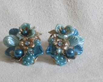 Vintage Flower and Rhinestone 1950s Style Earrings in shades of Blue and Gold toned Metal