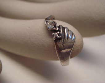 vintage 1960's white color stone in 925 sterling silver