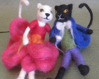 Needle Felted Animal, Cat Couple, 2 Cats, Waldorf toy, white cat, black cat, play set, felted toy, decoration, MADE to order