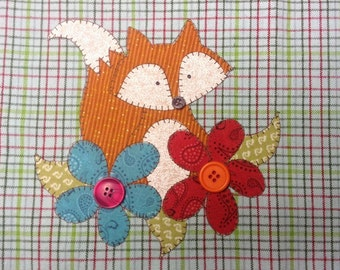 Garden Visitor Applique PDF Pattern for Tea Towel