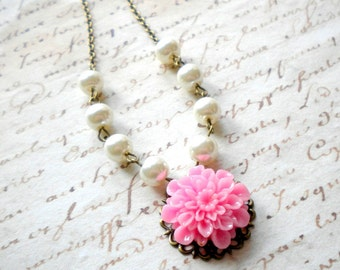 Pink Bridesmaid Necklace Pearl Necklace Pink Flower Necklace Pink Wedding Jewelry Beadwork Necklace Garden Wedding Party Chrysanthemum