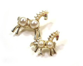 60s Vintage Pair of Matching Gold Tone & Pearl Horse Scatter Dress Pins