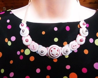 SALE, Popping in Pink button necklace