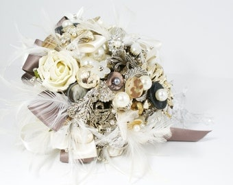 Vintage Brooch Bouquet - Jeweled Bouquet - Feather Bouquet - Rhinestone  Bouquet - Pearl Bouquet - Bridal Bouquet - Wedding Broach Bouquet