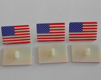 BACK IN - USA / American flag shank buttons - button fun 1360 - Dress it up Americana - original packaging - set of six (6)