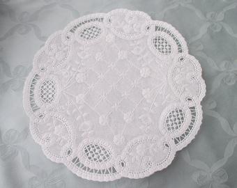 25 vintage white lace paper DOILIES - 8 inch