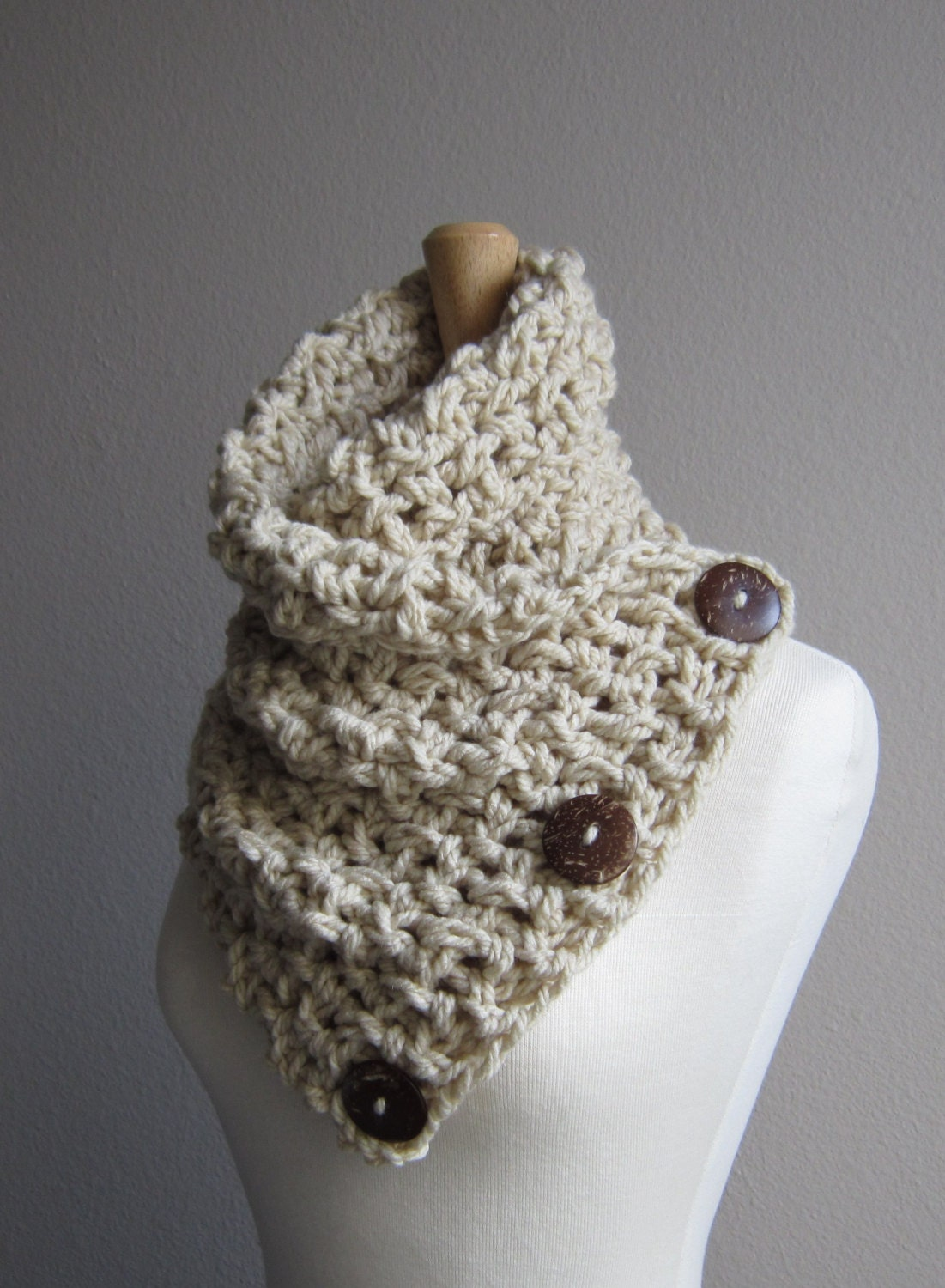 crochet button scarf linen with coconut buttons by