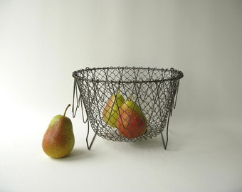 Vintage Vegetable Wire Basket, collapsible basket, kitchen basket, strainer