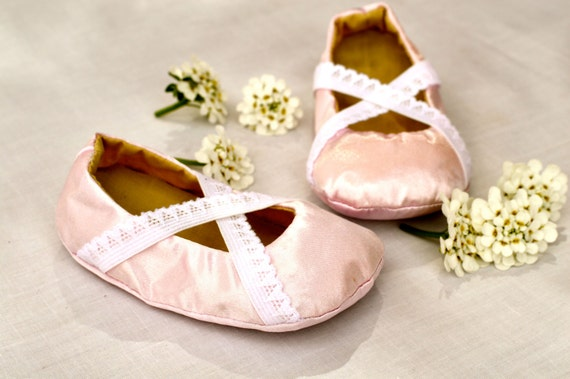 Angelina Ballerina Baby Girl Shoes PDF PATTERN- DIY -5 different sizes