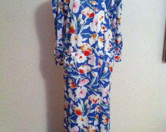 Bright Flowers on a Blue Back Ground Nylon DAVID BROWN Dressing Gown S
