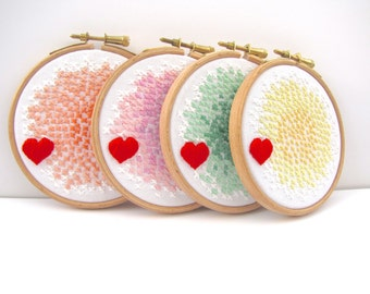 Hand Embroidery Hoop Art x1. In The Hoop Embroidery. Green & White. 4 x 4 Inch. Love and Kisses. Original Design by mirrymirry