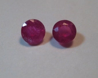 faceted Ruby ....2 pieces ...    4.8  mm .......         a3121