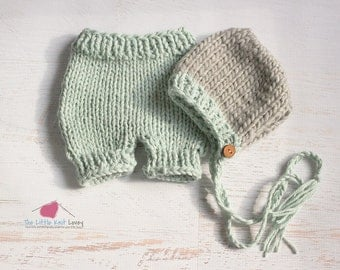 Beautiful Knit Bonnet and Short Set for Baby in Blue and Grey, Newborn Photography Prop