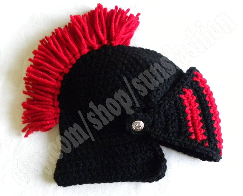 knight helmet crochet beanie hat original red black warm. Black Bedroom Furniture Sets. Home Design Ideas