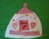 Hand Knitted Top Kitchen Towel - Valentine Love Heart  - New