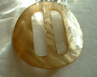 Supreme Original Vintage Lucite Belt Buckle Golden Shell Like Marbleized Luster Large Round
