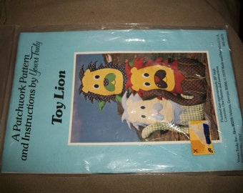 "Vintage ""Toy Lion"" Pattern"