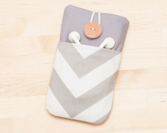 iPhone SE sleeve / Iphone 6s cover / Xiaomi sleeve / Moto G sleeve / ipod cover  / Nexus 6 case - chevron in grey -
