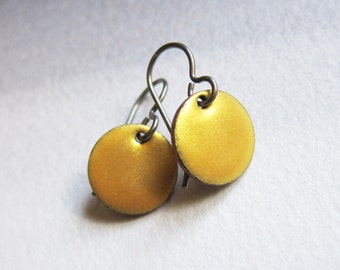 Tiny gold enamel disc niobium earrings Small hypoallergenic dangles Simple enameled copper minimalist jewelry Dainty yellow drops