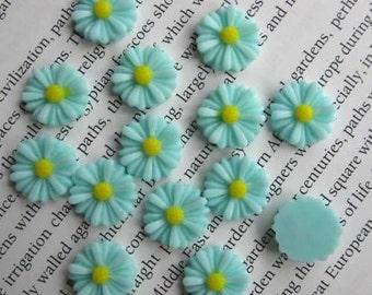 Light Blue Daisy Resin Cabochons 13 mm