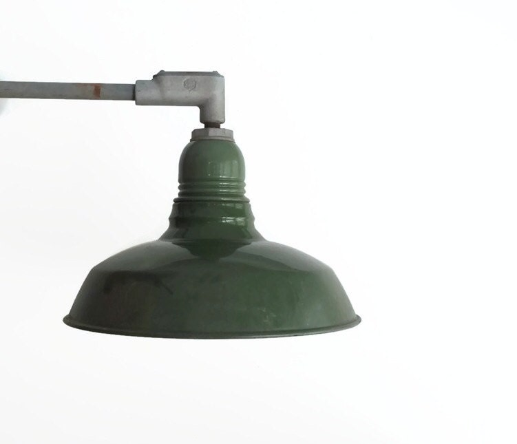 Vintage enamel gooseneck barn light fixture elbowed barn for Vintage exterior light fixtures