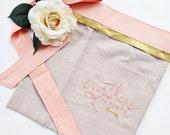 custom apron : vendor aprons, custom embroidery, wedding planner apron, craft show, event planner, florist apron