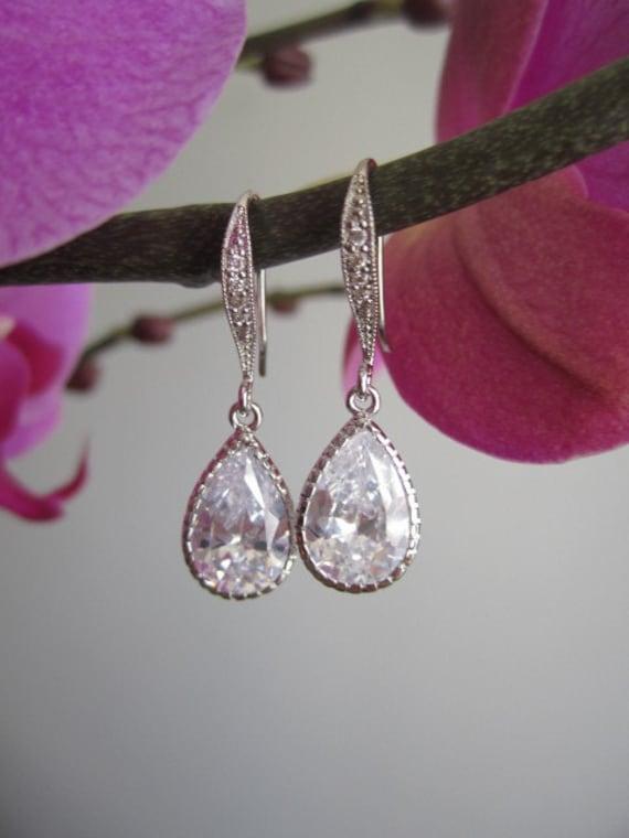 Bridal earrings, wedding earrings, fasion, pear/tear drop cubic zirconia earrings, decorative earring hook, wedding jewelry, bridal jewelry