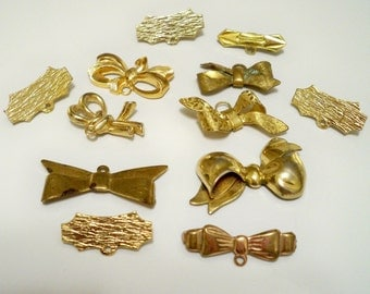 Vintage lot of bows and pendants - Goldtone -12 pieces - Jewelry supply - Recycle jewelry pieces - Monet - cheesegrits