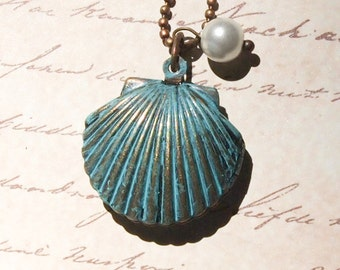 Shell Locket with Glass Pearl