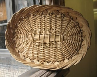 large vintage harvest basket good condition weight 2 lbs