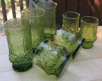 SALE - Set of 7 Avocado Green Rainflower Drinking Glasses - Oak Hill Vintage