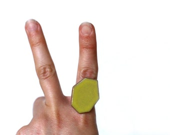 Geometric Pottery Ring- Bright Pear