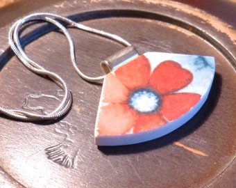 Playful Daisy - Recycled BROKEN China jewelry NECKLACE -boho jewelry