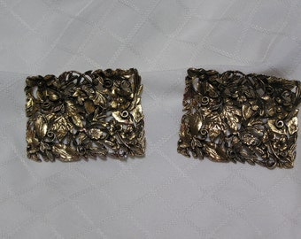 Vintage Musi gold tone flowers and vines filigree curved shoe clips