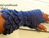Crochet Cotton Crocodile Stitch Woman's Fingerless Gloves in Blueberry -  Reversible - Accent Hand or Wrist