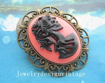 2pcs antiqued bronze 40x30mm black /pink Skull Lady cabochon pendants