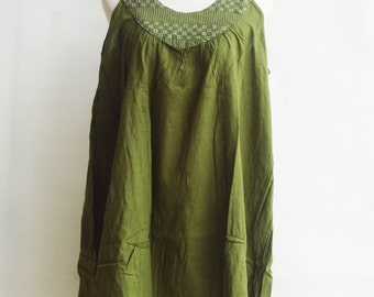 D18, Forest Classic U Neck Green Cotton Dress