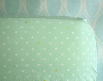 Crib Sheet - Triangle Tokens - Fitted Crib Sheet