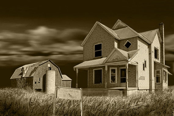 Abandoned Farm House and Barn for Sale near Moline in
