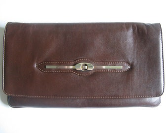 Vintage 1970s Clutch Milk Chocolate Brown Faux Leather Handbag Made in Italy