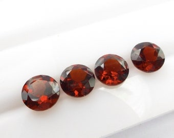 GARNET OrissA PyroPe. Natural. Bright Red RoUND.  Facet  Cut. 2 pc. 2.10 cts. 6mm  (Ga317)