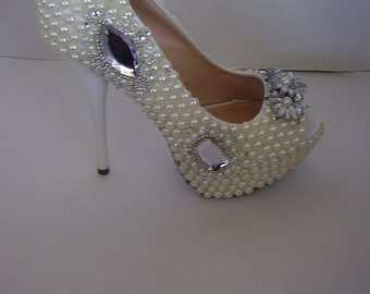 Bridal High Heels  Pumps Hand Embelish in Ivory or White Colour Pearl & Crystals and  Shoe Sole Cover With Glitter, Statement Shoes, Bling