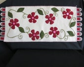 Clematis Vine Wool Table Runner Christmas Colors Free Shipping