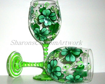 Shamrocks 4 leaf Clover St.Patrick's Day Hand painted Set of 2- 20 oz. White Wine Glasses Kelly Green Four Leaf Clover St Paddys Day Gift
