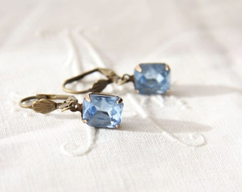 Vintage Light Sapphire Glass Jewel Earrings. Blue Vintage Earrings. Dainty Blue Earrings.