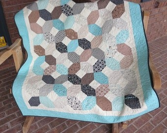 Elementary - Hugs and Kisses Homemade Baby / Toddler Quilt