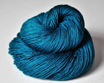 Dragonfly flying too high - Merino/Silk Fingering Yarn Superwash