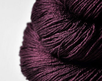 Tangled web - Merino/Silk Fingering Yarn Superwash