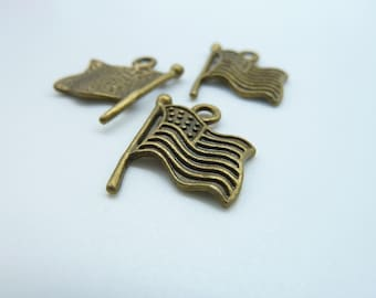 20pcs 15x18mm Antique  Bronze  Flag Of The United States Charm Pendant c2430